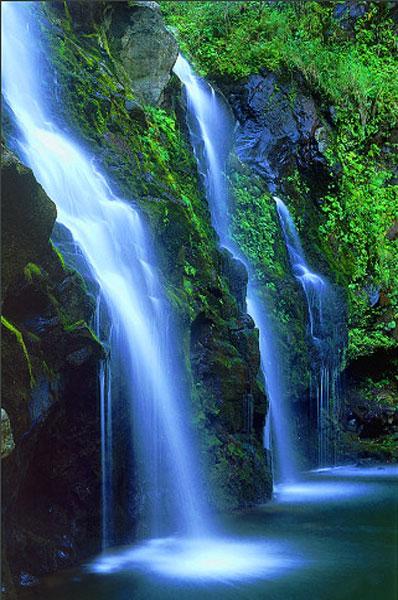 beautiful-waterfalls-paradise