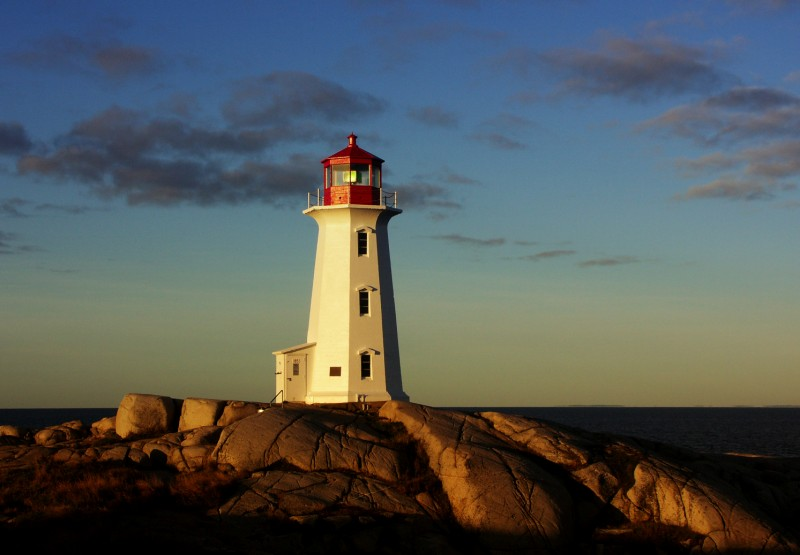 Peggy's Cove Lighthouse, Nova Scotia (Wikimedia Commons)