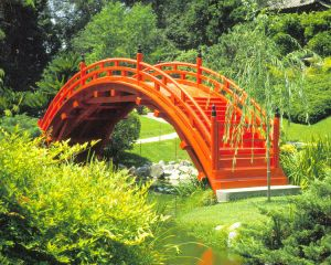 Moon Bridge in Japanese Garden, Huntington Museum, Pasadena, CA Michael Slonecker (Wikimedia Commons)