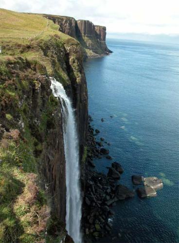 Waterfall at Kilt Rock, Scotland CC