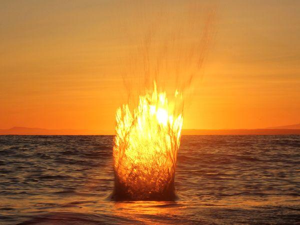 sunset-splash-canada by Rob Leslie, Nat Geo