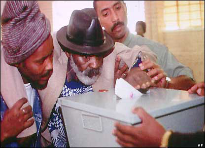 Elderly Black Voter Casts his Vote in 1994 SA BBC AP