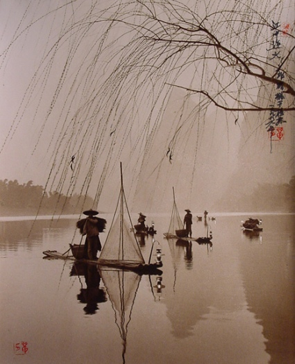 Don Hong-Oai Lanters Light the Way, Guilin