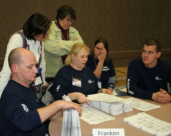 Recounting Ballots by Hand in Minnesota 2008 by Jonathunder (Wikimedia Commons)