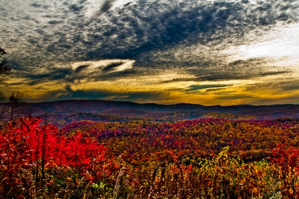 ) wv-fall-foliage-mountain-sunrise
